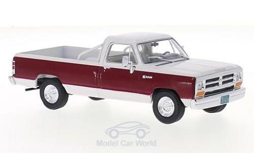 Dodge RAM 1/43 WhiteBox Ram blanche/dunkelrouge 1987 miniature