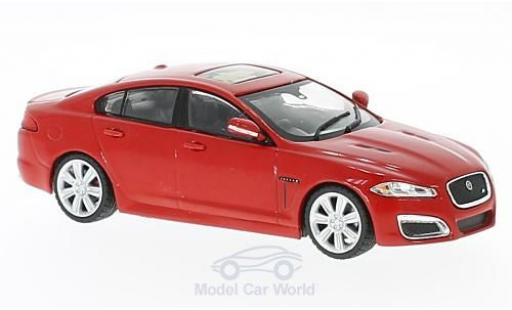 Jaguar XF R 1/43 WhiteBox rouge HD 2010 miniature