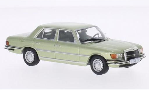 Mercedes 450 1/43 WhiteBox SEL (W116) metallise verte 1975 miniature