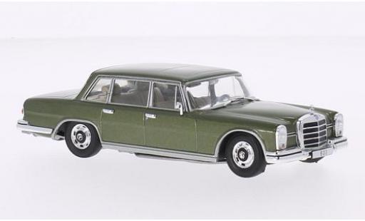 Mercedes 600 1/43 WhiteBox (W100) metallise verte 1964 miniature