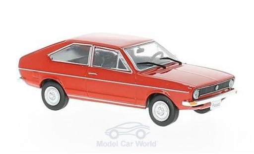 Volkswagen Passat 1/43 WhiteBox (B1) rouge 1973 miniature