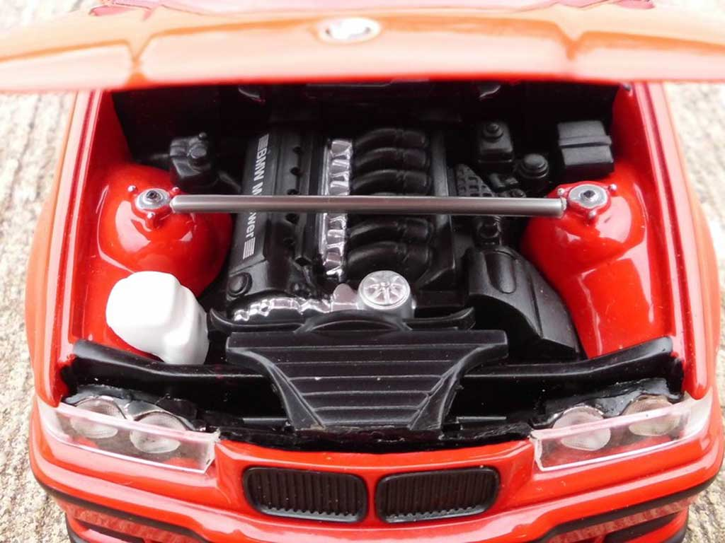 Bmw 318 E36 1/18 Ut Models is rosso jantes M3 E92 et swap moteur M3 E36
