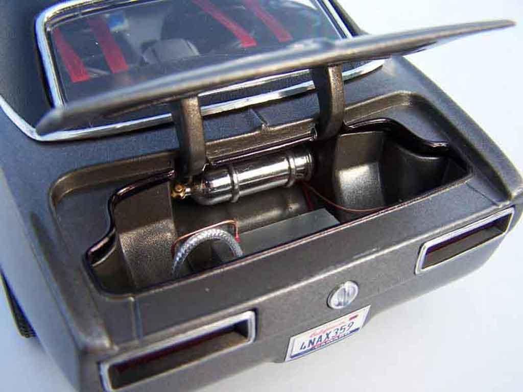 Chevrolet Camaro Z28 1/18 Maisto gris 1967