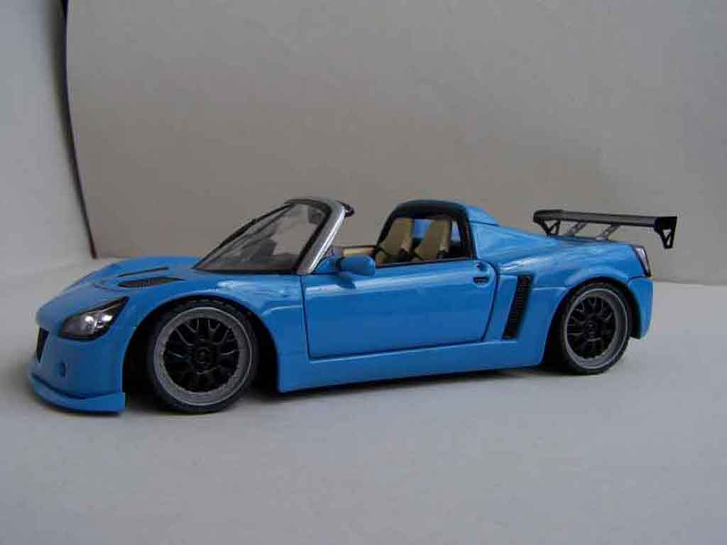 Opel Speedster 1/18 Welly street racer