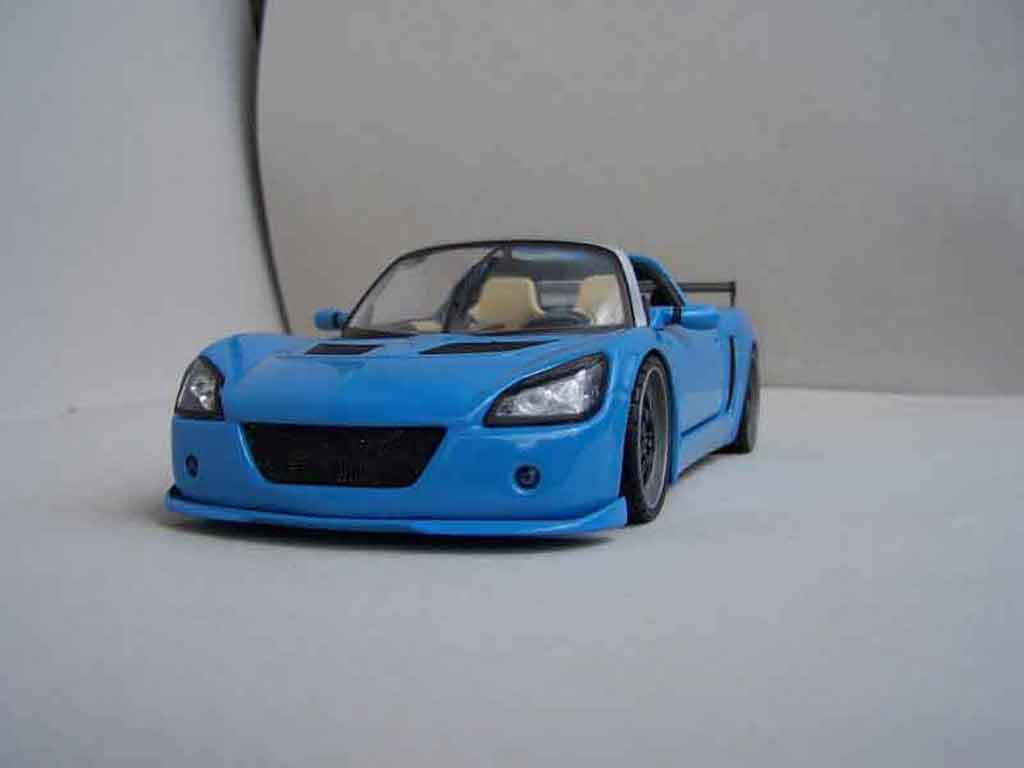 Opel Speedster 1/18 Welly street racer