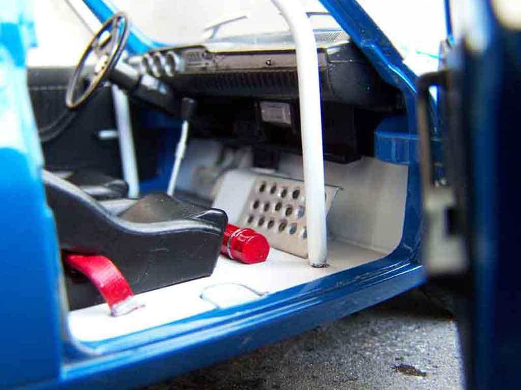 Auto miniature Renault 12 Gordini preparation racing tuning Solido. Renault 12 Gordini preparation racing miniature 1/18