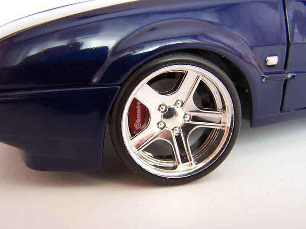 Volkswagen Corrado VR6 jantes bords larges tuning Revell. Volkswagen Corrado VR6 jantes bords larges German Look miniature auto miniature 1/18