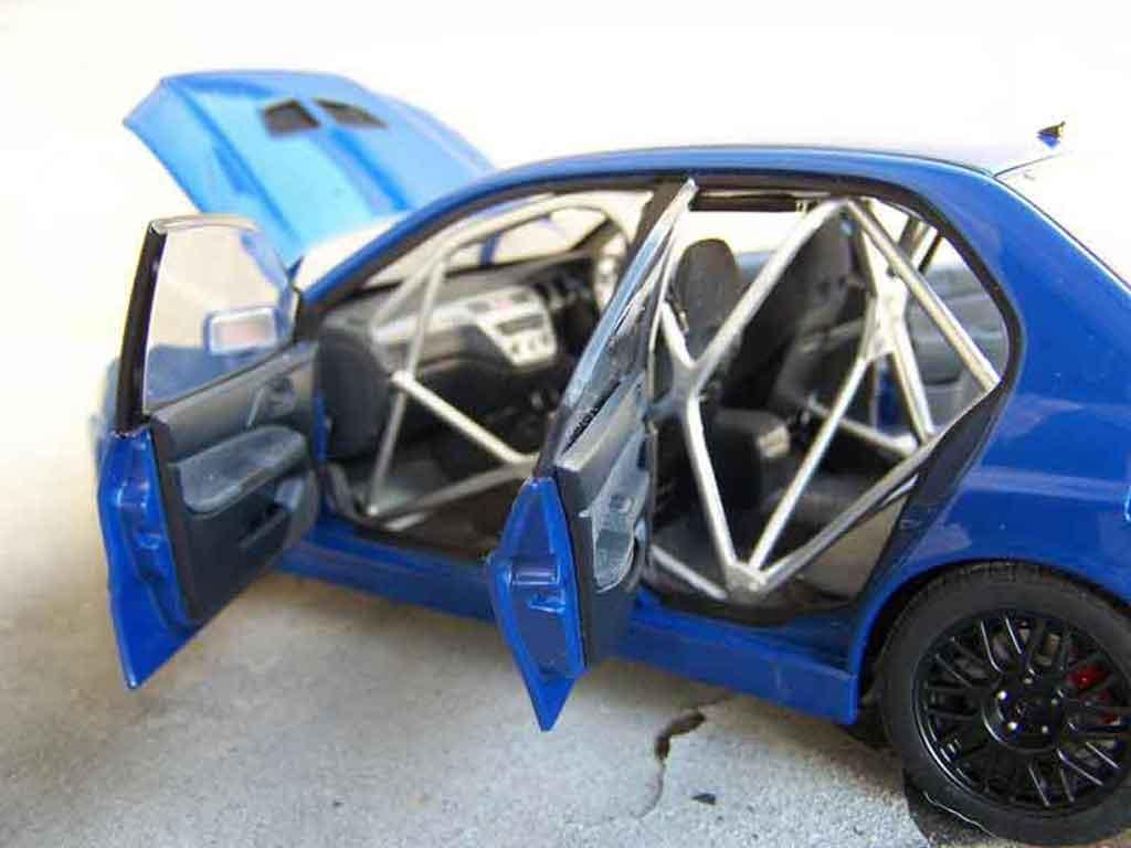 Mitsubishi Lancer Evolution VII 1/18 Autoart jdm bleue