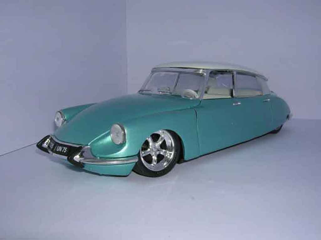 Citroen DS 19 1/18 Solido sema show tuning miniature