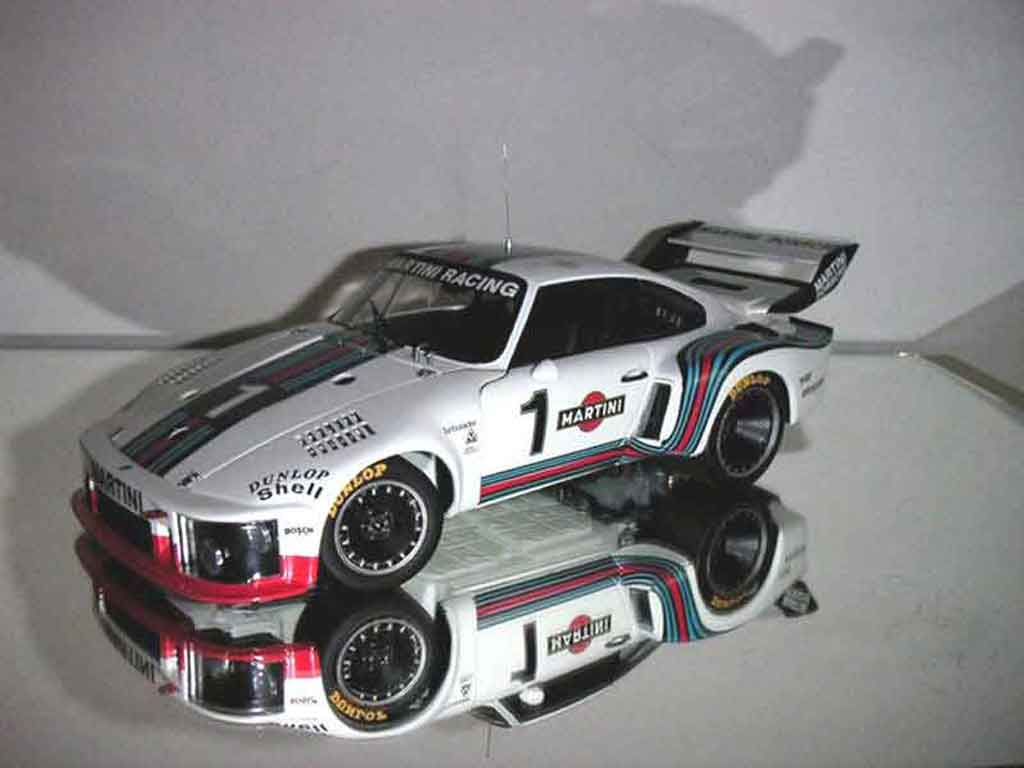 Porsche 935 1976 1/18 Exoto turbo #1 martini racing miniature