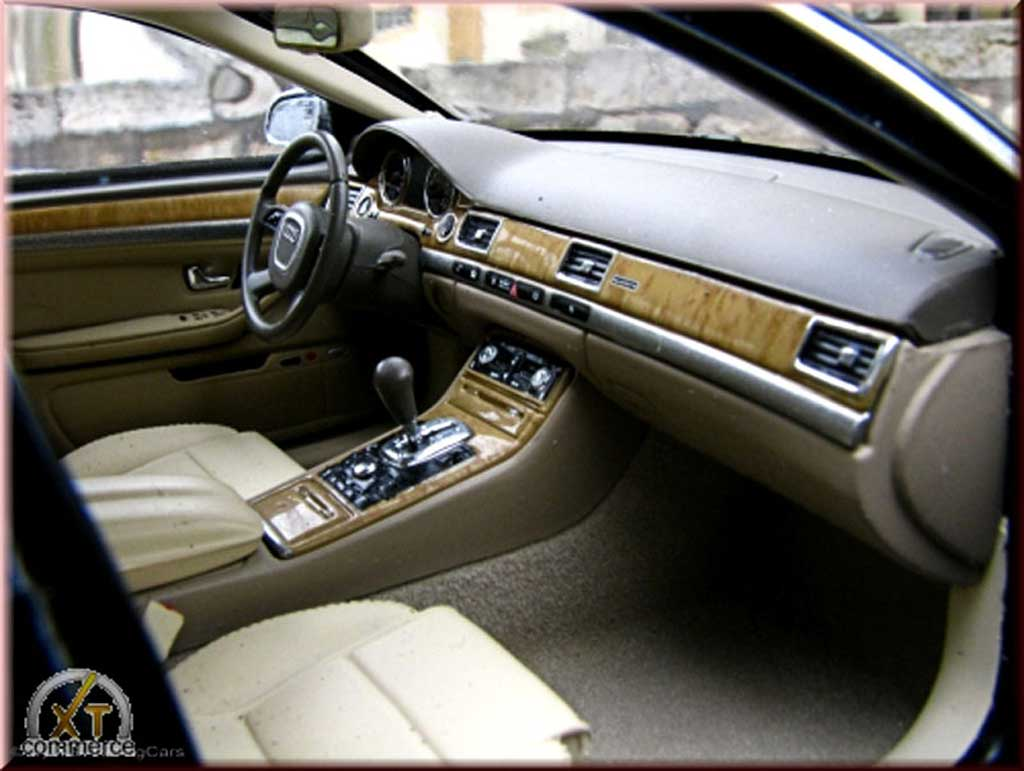 Audi A8 1/18 Kyosho nero jantes 20 pouces