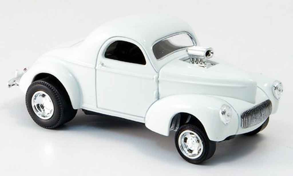 Willys Coupe 1941 1/43 Eagle blanche Strassenversion miniature