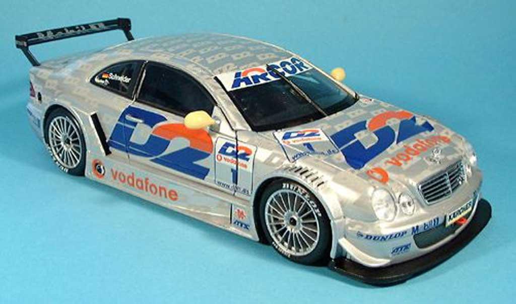Mercedes Classe CLK DTM 1/18 Maisto d2 no.1 2001 miniature