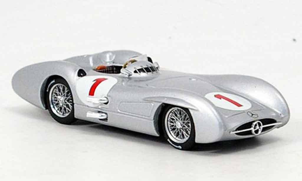 Mercedes W 196 1/43 Brumm C No.1 J.M.Fangio GP Grossbritannien 1954 miniature