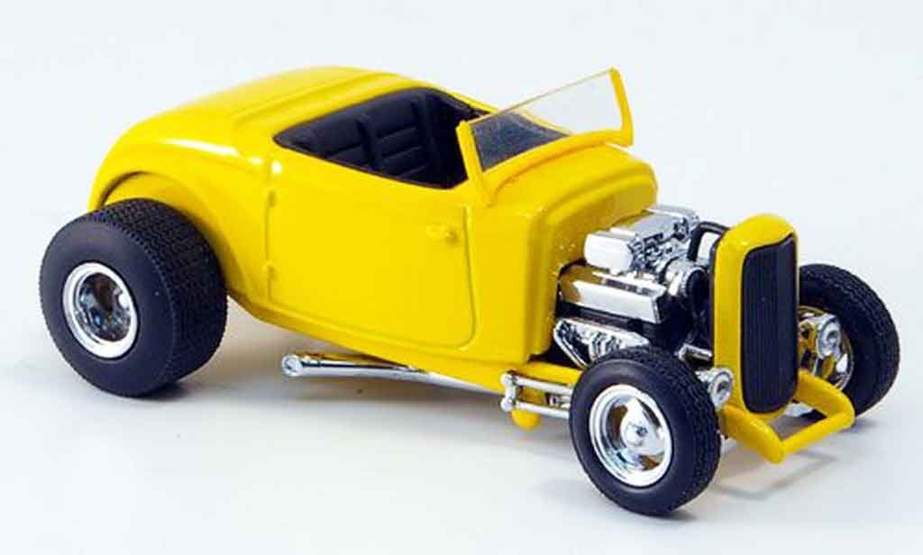 Ford 1932 1/43 Eagle Street Rod jaune noirees Interieur miniature