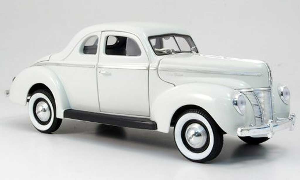 Ford Hot Rod 1/18 Eagle de luxe coupe blanche 1940 miniature