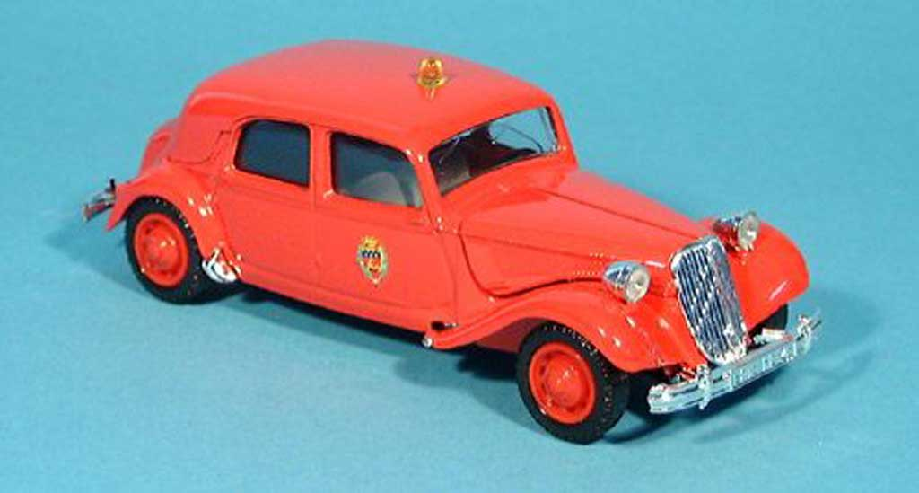 citroen traction 15 miniature cv traction pompiers pompiers  f  1952 solido 1  43