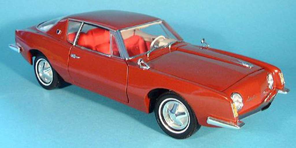 Studebaker Avanti 1/18 Signature rouge 1963 miniature
