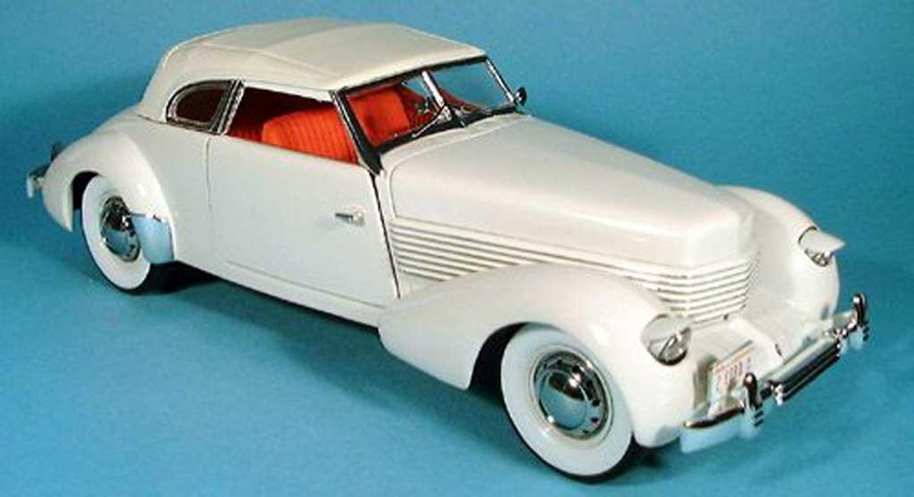Cord 810 1/18 Signature blanche 1936 miniature