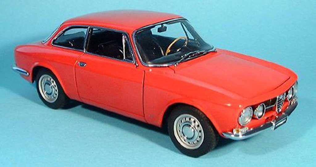 Alfa Romeo 1750 GTV 1/18 Autoart GTV rouge 1967 miniature