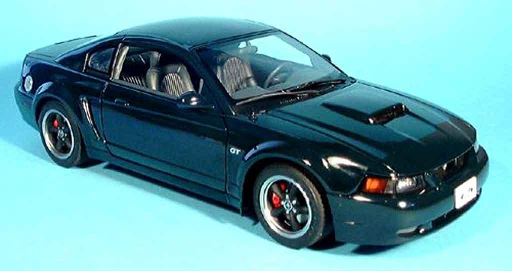 Ford Mustang Bullit 2001 1/18 Autoart gt verte miniature