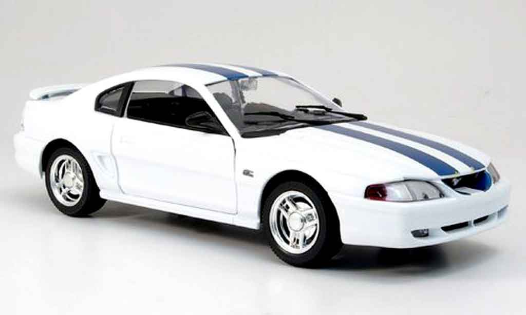 Ford Mustang 1994 1/18 Eagle coupe blanche avec bandes bleues miniature