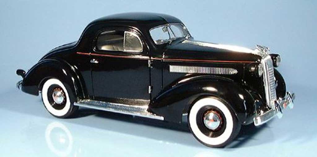 Pontiac De Luxe 1/18 Signature noire 1936 miniature