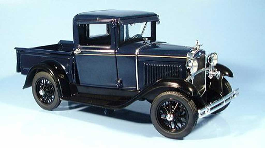 Ford Model A 1/18 Signature pick up bleu fonce 1931 diecast model cars