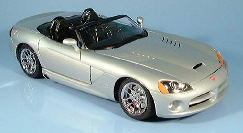 dodge viper srt 10 grau 2003 burago modellauto 1 18. Black Bedroom Furniture Sets. Home Design Ideas