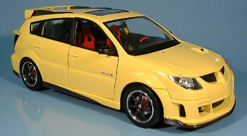 Pontiac Vibe 1/18 Yat Ming gtr jaune 2003 miniature