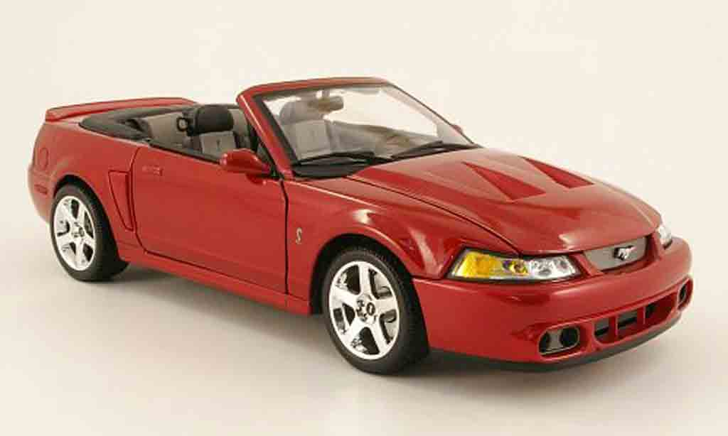 Ford Mustang 2003 1/18 Maisto svt cobra convertible rouge miniature