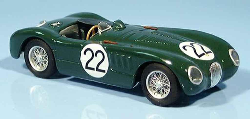 Jaguar C-Type 1/43 Brumm no. 22 moss fairman le mans 1951 miniature