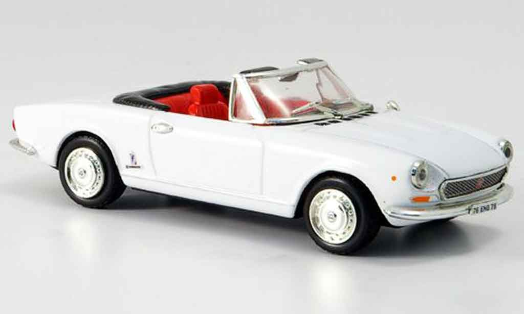 Fiat 124 1/43 Vitesse white offen diecast