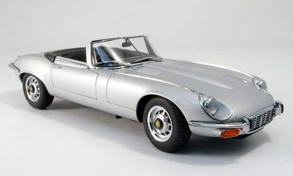 Jaguar Type E 1971 gray Autoart. Jaguar Type E 1971 gray miniature 1/18