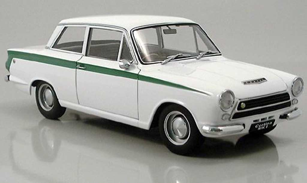 Lotus Cortina 1/18 Autoart mk i blanche miniature