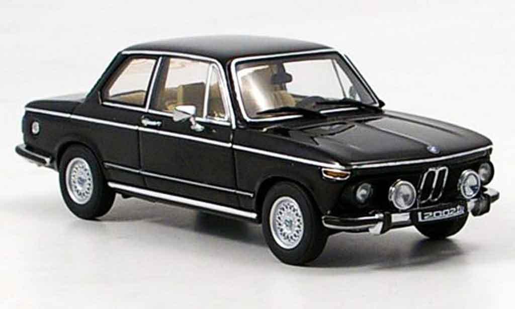 Bmw 2002 Tii 1/43 Autoart tii L noire 1974 miniature