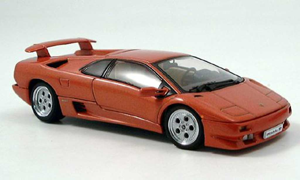 Lamborghini Diablo VT 1/43 Autoart Coupe met. red diecast model cars