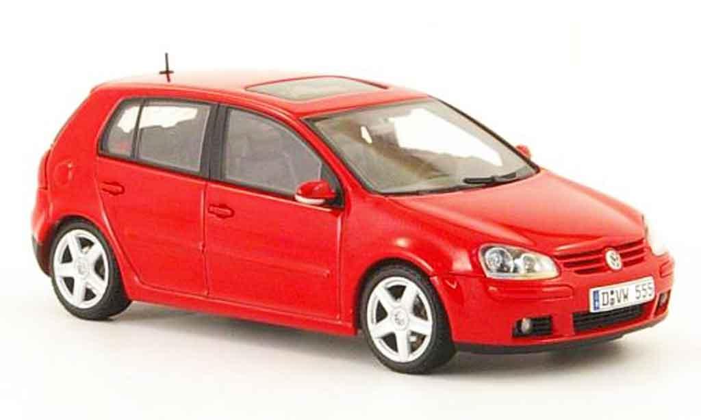 Volkswagen Golf V 1/43 Autoart rouge 5 portes 2003 miniature