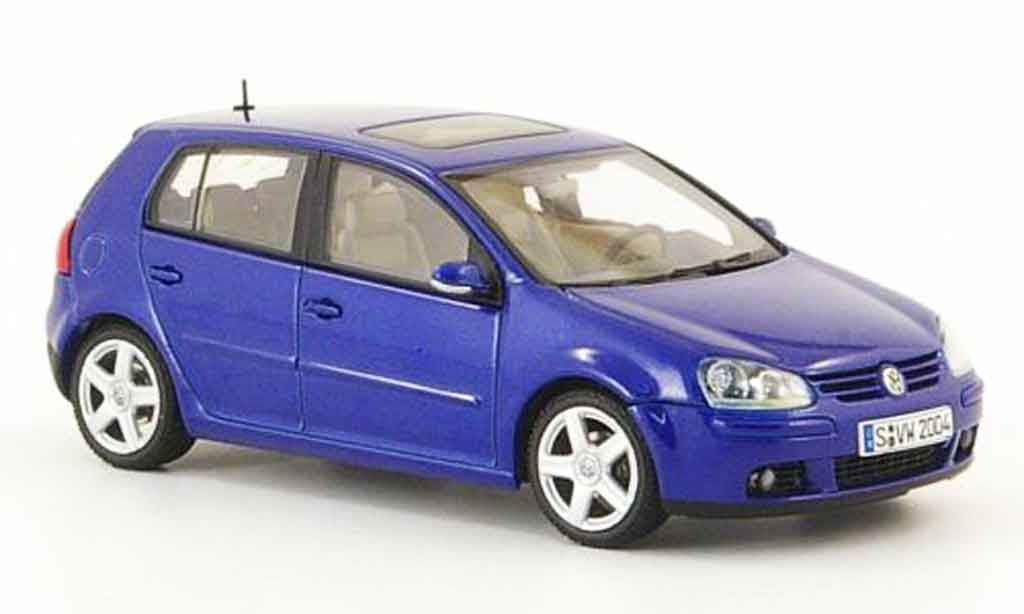 volkswagen golf v miniature bleu 5 portes 2003 autoart 1 43 voiture. Black Bedroom Furniture Sets. Home Design Ideas