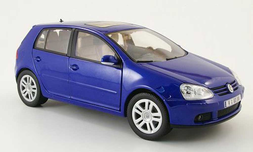 Volkswagen Golf V 1/18 Burago blue 2003 5 portes diecast model cars