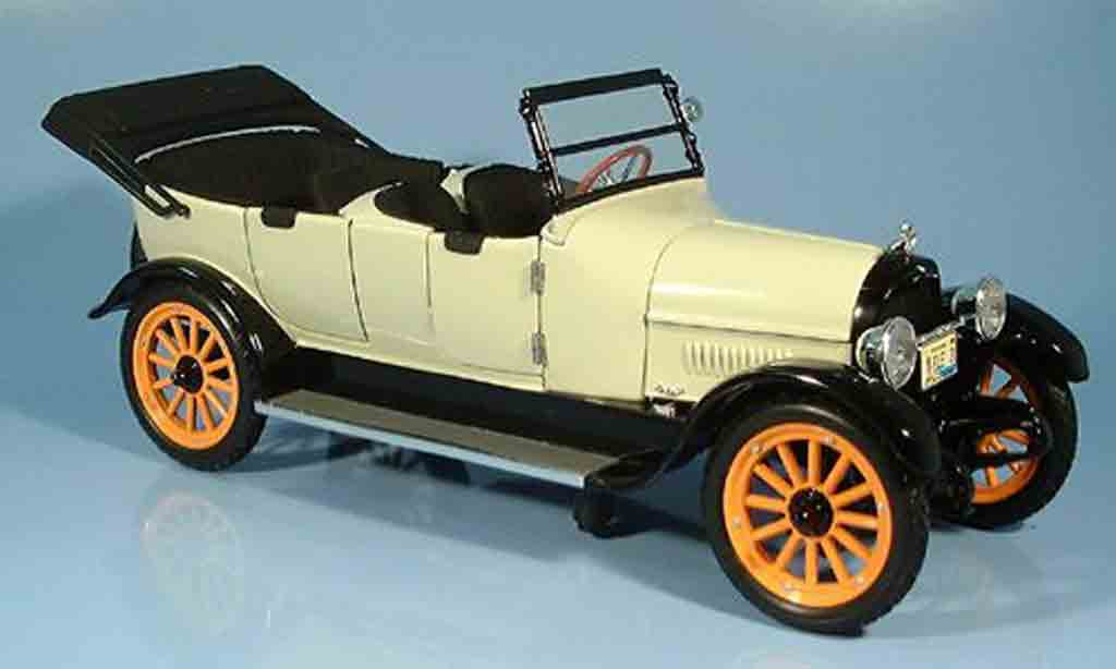 Reo Touring 1/18 Signature creme/noire 1917 miniature
