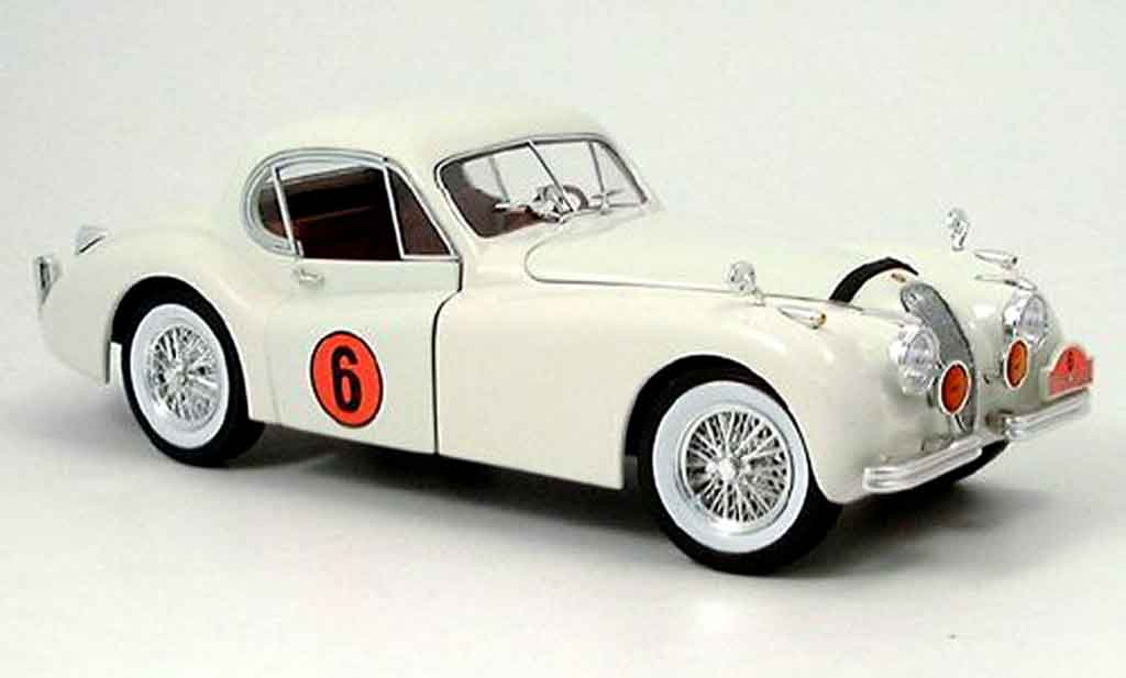 Jaguar XK 120 1/18 Signature racing blanche 1949 miniature