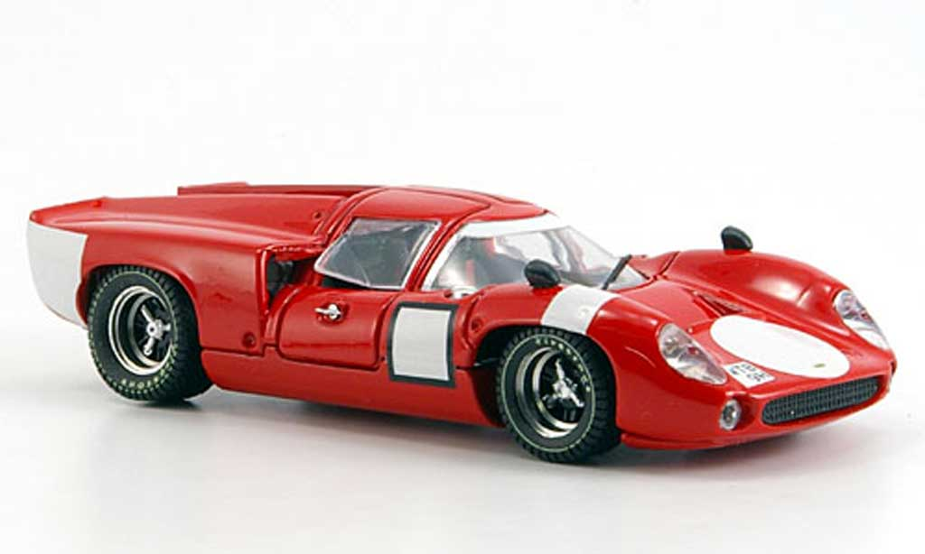 Lola T70 1969 1/43 Best Coupe rojo Strassenversion coche miniatura