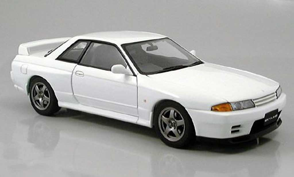 nissan skyline r32 miniature gt r blanche 1989 autoart 1. Black Bedroom Furniture Sets. Home Design Ideas