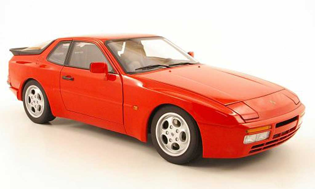 Porsche 944 1985 1/18 Autoart turbo red diecast model cars