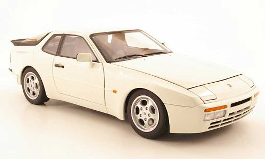 Porsche 944 1985 1/18 Autoart turbo creme white diecast model cars