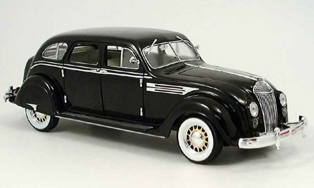 Chrysler Airflow 1/18 Signature noire 1936 miniature