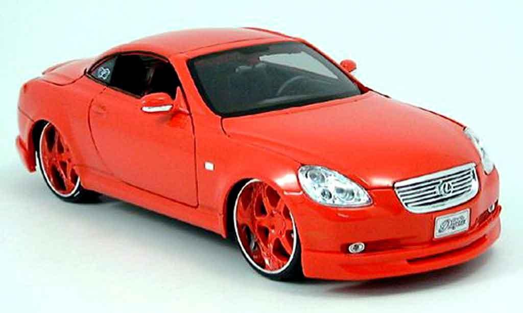 Lexus SC 430 1/18 Maisto tuning car rouge miniature
