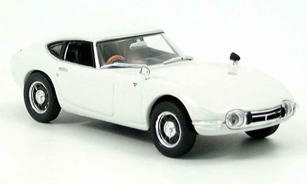 Toyota 2000 GT 1/43 Norev blanche 1967 miniature