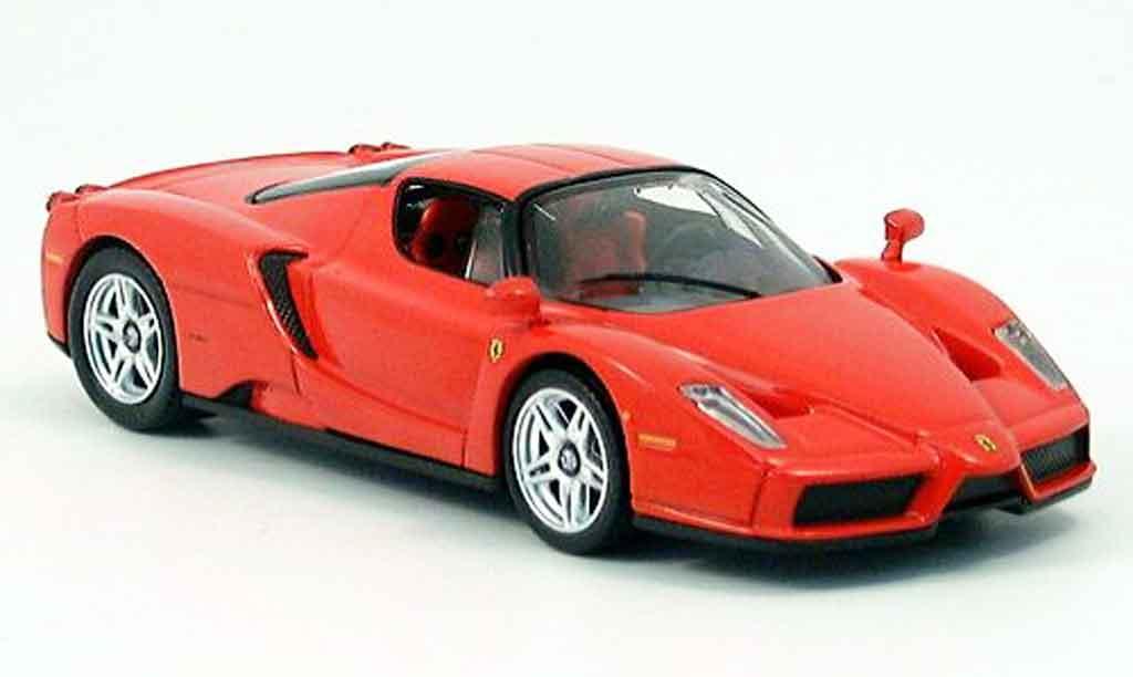 Ferrari Enzo 1/43 IXO rouge 2003 miniature
